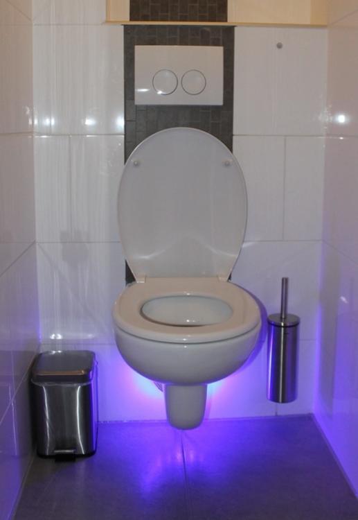 Ingestuurd op 8-10-2013 EXPO boot met ABC-LED verlichting